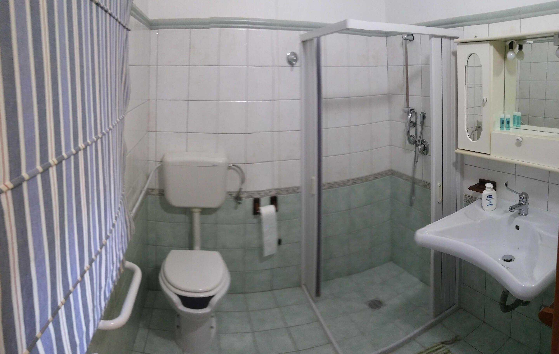 Agriturismo per disabili il mandorleto enna - Arredo bagno per disabili ...