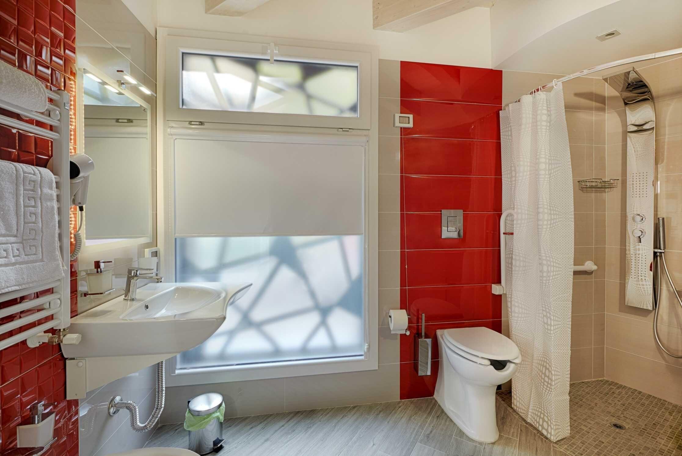 Hotel per disabili hospitality hotel palermo - Altezza prese elettriche bagno ...